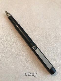 1981 Parker 25 Epoxy Matt Black Ridge Top Medium Nib Fountain Pen-england