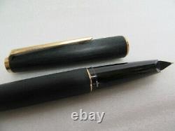 Authentic Montblanc 220 Fountain Pen Matte Finished 14K Nib Vintage'70 JP