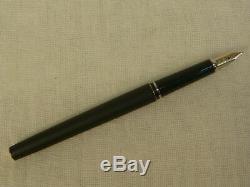 Cross Century Matte Black & Gold Fountain Pen Medium Pt Made In Ireland 2506