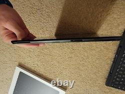 Microsoft Surface Pro X 13 (256GB SSD, Microsoft SQ1, 8gb) Keyboard/pen bundle