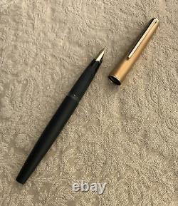 Near Mint Montblanc 224 Fountain Pen, Matte Black & Gold, 14k 585 Gold Nib, XF