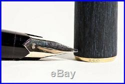 Perfect MONTBLANC 220 matt Black & Gold 585 Gold OM nib Piston FILLER 1972
